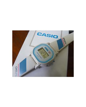 Casio 401 L-25 watch for women